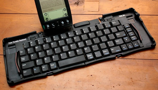 palm-iiixe-with-portable-keyboard