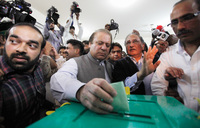 Violence casts shadow over Pakistan's milestone election