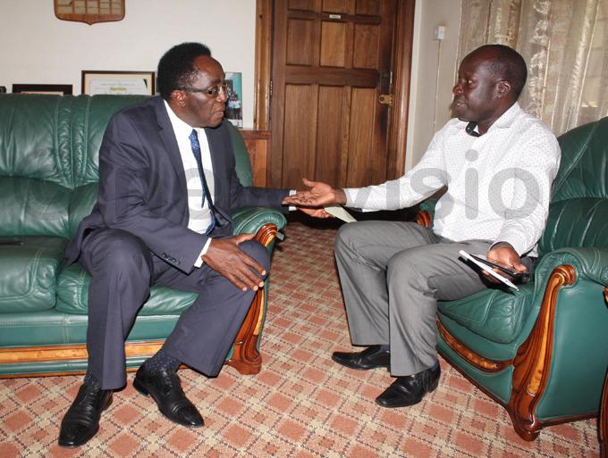 rof dumba sentamu and rof anga doi the chairman of the akerere niversity onvocation during a meeting hoto by ony ujuta