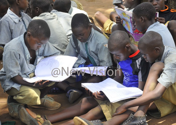 upils of ganga unicipal primary school revision  ahead of the examination  outside the classrooms ct  25 2019hoto by ilfred anya