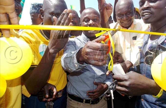inister gwang cutting the tape during his home coming recently