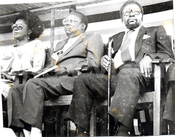 iria bote aulo uwanga former gandan ice president and tema limadi former remier in bote  at a graduation ceremony 1983