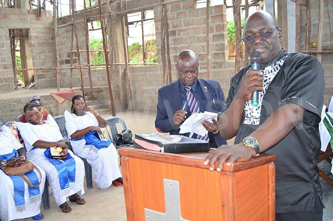 on rancis arnabas onahasa from ibuku district eulogises the late pollo uwanga itandwe