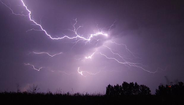 lightningstormnightgyorgykarolytothakazajcsikcc0viapixabay1200x800100754504orig