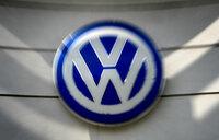 Volkswagen picks up stake in US truckmaker Navistar