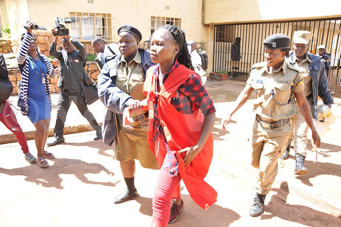 olicewomen arresting a student on 23102019