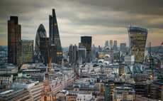 Pessimism pervades UK´s financial sector as demand for services falls