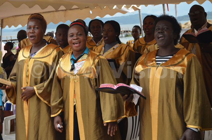 horisters from unyonyo hurch of ganda leading the service