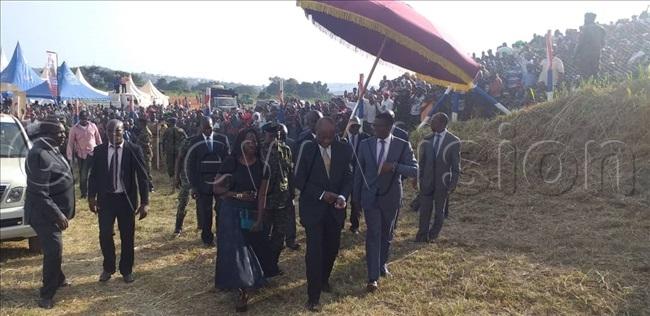 abaka arrives for the nkuuka celebrations
