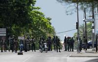Ivory Coast army chief meets mutineers in their barracks
