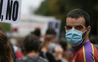 Hundreds protest in Madrid against partial lockdown