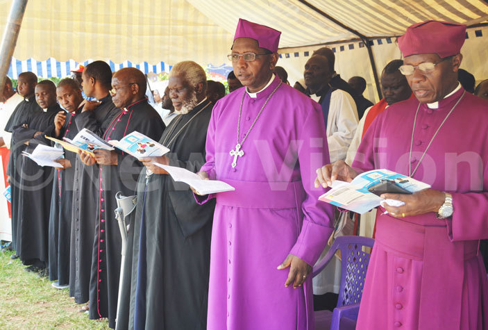 atholic rthodox and nglican religious leaders during the ecumenical prayers for the public ay of the ross