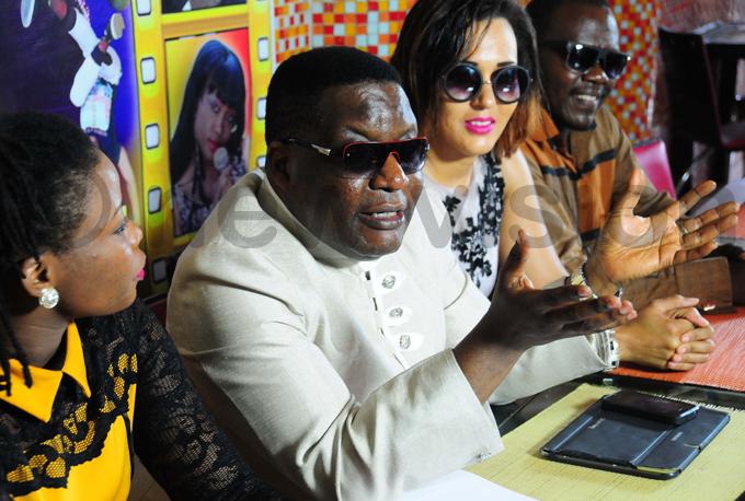 bonies stars auziah akiboneka agenda and achael nderwood hoto by icholas neal