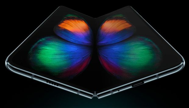 Hands-On: The Samsung Galaxy Fold is my new problematic fave
