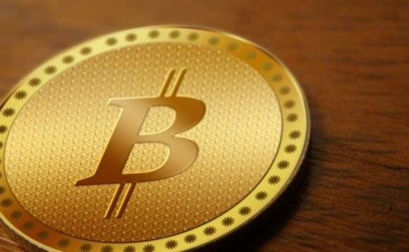 Singapore cafe to take payment in plummeting bitcoin as regulators issue warnings