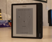 Rakuten Kobo Forma e-reader review: Refined experience, flawed package