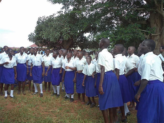oung girls like these in yam face societal pressure to get married on finishing rimary chool