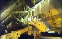 US astronauts begin spacewalk for station repairs