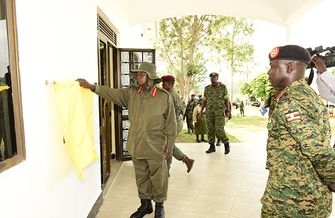 he resident commissions aguta fficers ess at the barracks  hoto