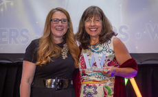 Writer and comedian Viv Groskop (left) presents the award for Pensions Woman of the Year to LGIM's Emma Douglas