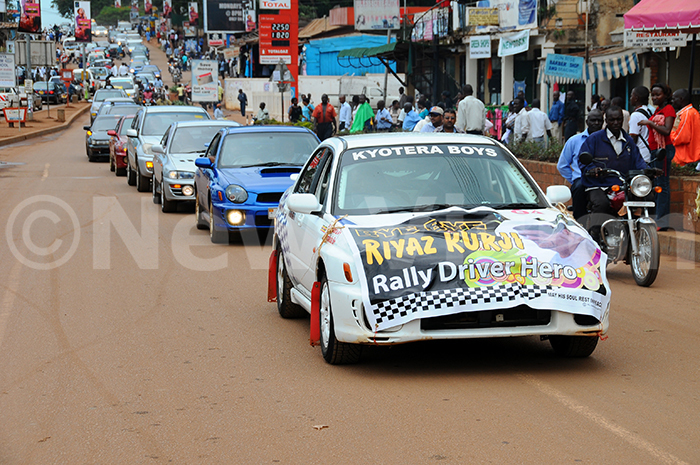 iyaz urji  ally fans  drivers join the procession 050509