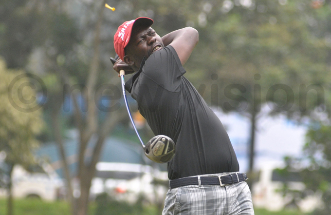 gandas hillip asozi is two shots off the lead hoto by ichael subuga