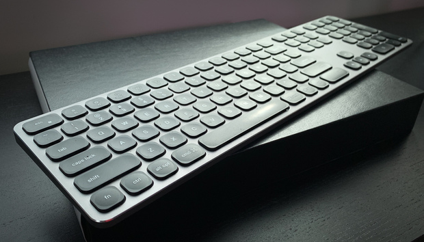 Satechi Aluminum Bluetooth Keyboard with Numeric Keypad review: Good form, unreliable function