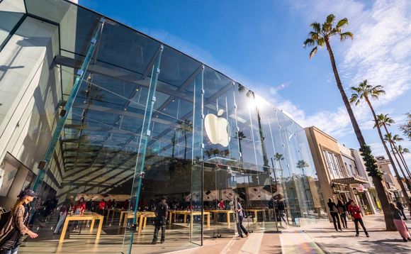 Moody's warn managers face further disruption from firms such as Apple