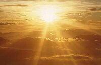 Sunlight 'keeps damaging skin' for hours later
