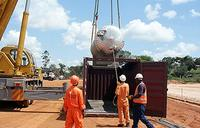 Government suspends oil refinery negotiations