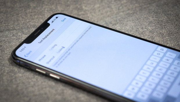 How to fix autocorrect's 'ducking' problem on iPhone