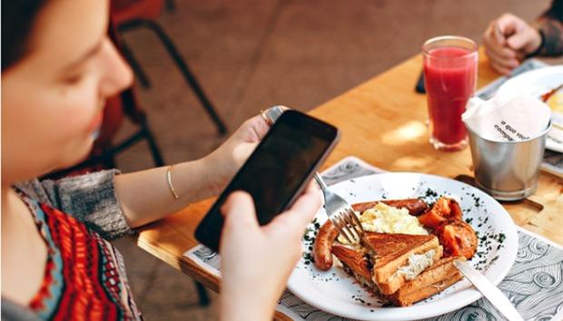 Google Maps will now help you navigate restaurant menus, too