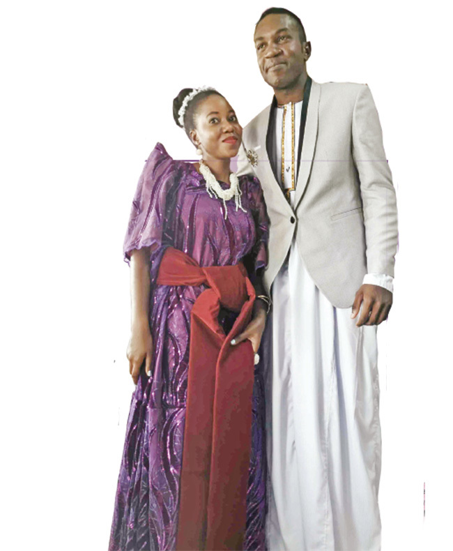 usasizi and abirye during their wanjula