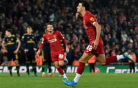 Liverpool beat Arsenal, Man Utd edge out Chelsea