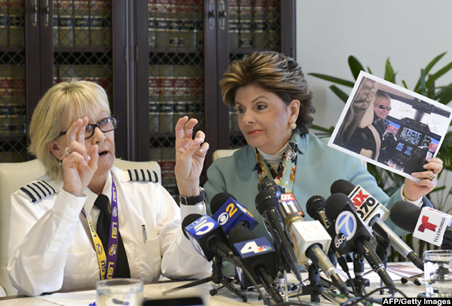 lora llred right holds a press conference with female pilot hari rerup alleging sex discrimination and answering questions regarding effrey pstein on ugust 13 2019 in os ngeles alifornia