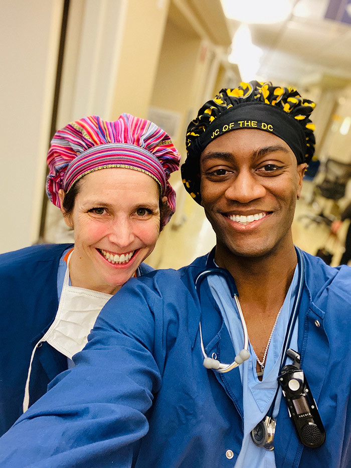 his handout selfie courtesy of r ason ampbell shows him posing with with program director r mily aird on ebruary 10 2020 at the regon ealth  cience niversity ospital in ortland    doctors dance videos posted on social media have proven just the right medicine for millions of people including health care workers who are cheering him on for lifting their spirits during the pandemic ubbed ik ok oc after the popular short form video app r ason ampbell has taken the nternet by storm with his clips featuring him and colleagues doing the corona foot shake the cha cha slide and other dance moves hoto by r ason ampbell  r ason ampbell              r ason ampbell                        ik ok ocs dance moves welcome medicine during pandemic