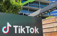 US to ban TikTok downloads, block WeChat use