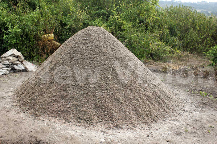 heap of salt displayed for buyers at anyampaka mining point