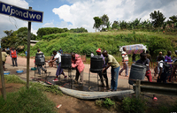 Ebola: Ugandan border town on high alert