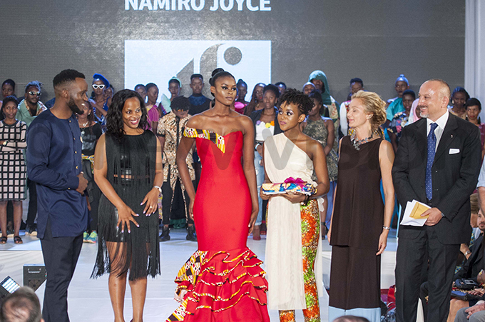 2nd runnerup oyce amiro 3rd from right with judges  aphael 1st left and nita eryl 2nd from left and talian mbassador to ganda omenico ornara 1st right and his wife nna hoto by alungi abuye