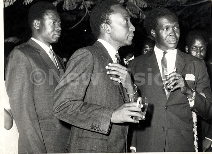 remier bote 1resident utesa  rmy chief haban polot at state reception in ugogo in 1962