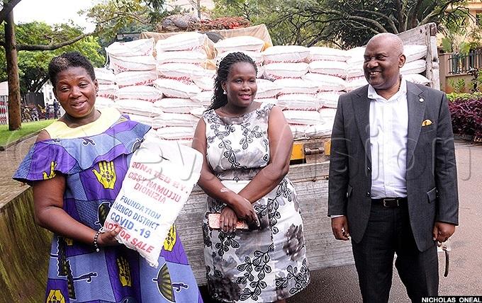 issy amujju wengo district woman  donated 2 tonnes of maize and an ambulance