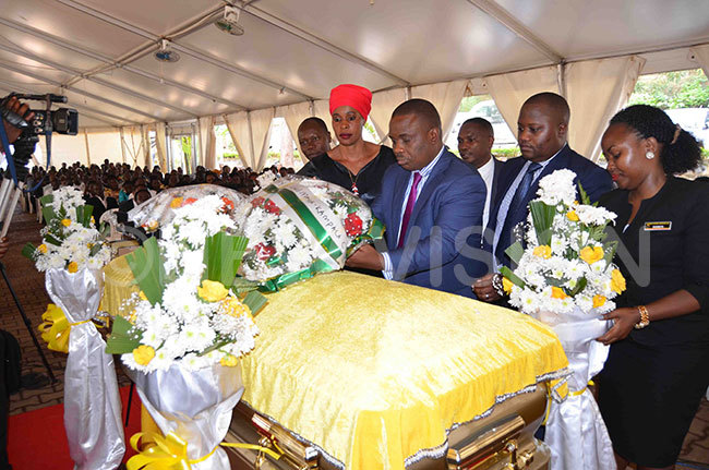 ord ayor rias ukwago laying a wreath on the casket of the late eborah ercy abukenya