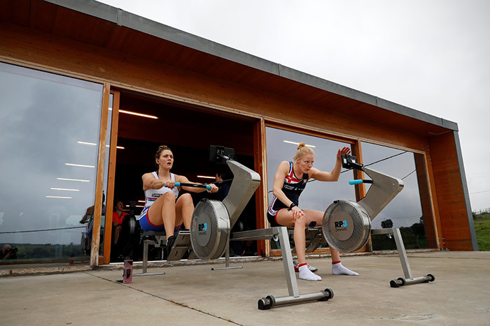 ritains o ratten  and olly wann warm up on the rowing machine ergo ahead of a test at a  owing eam prelympic 2020 training camp in vis central ortugal on ebruary 12 2020