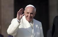 Fatima faithful await Pope Francis in their thousands