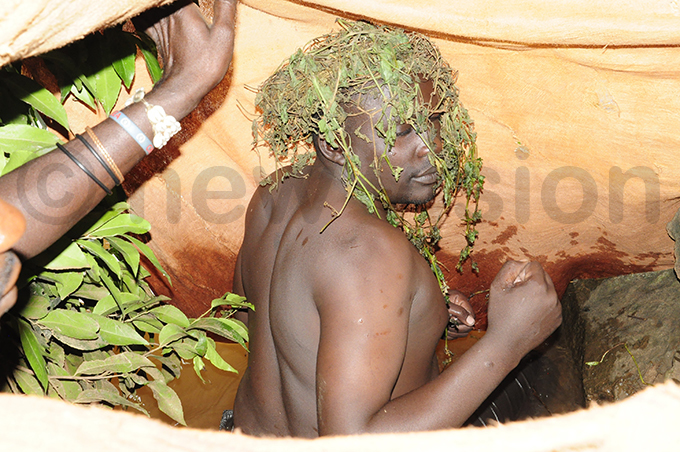he new udhagali assan iga dancing after he heard the sound of drumming from the followers hoto by harles kalebo