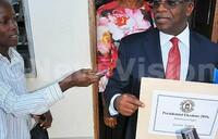 Mbabazi, Baryamureeba pick nomination forms