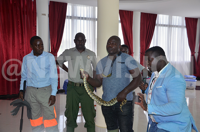 ffering lessons about snakes at  hoto by ulius uwemba