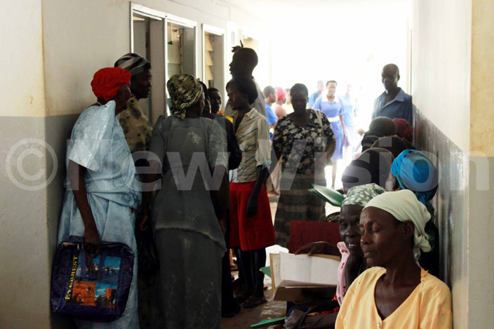 atients crowd the outpatientdepartment of oroti egional eferral ospital