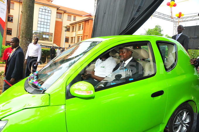 hen akerere niversity launched   car